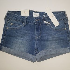 Celebrity Pink junior size 5 jean shorts nwt